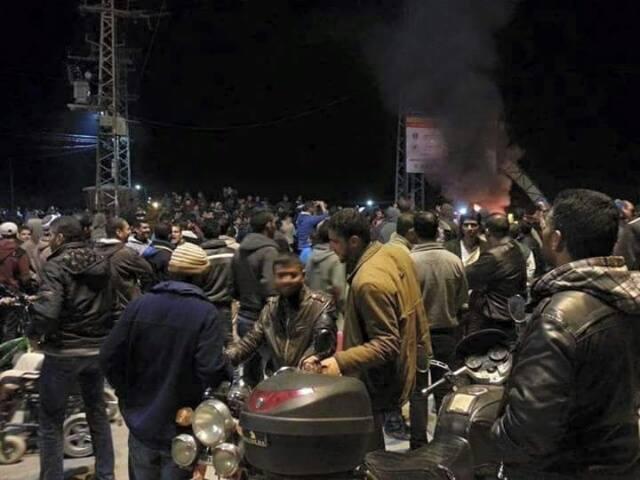 اعتقال بعض نشطاء ثورة الكهرباء على مواقع التواصل في غزة